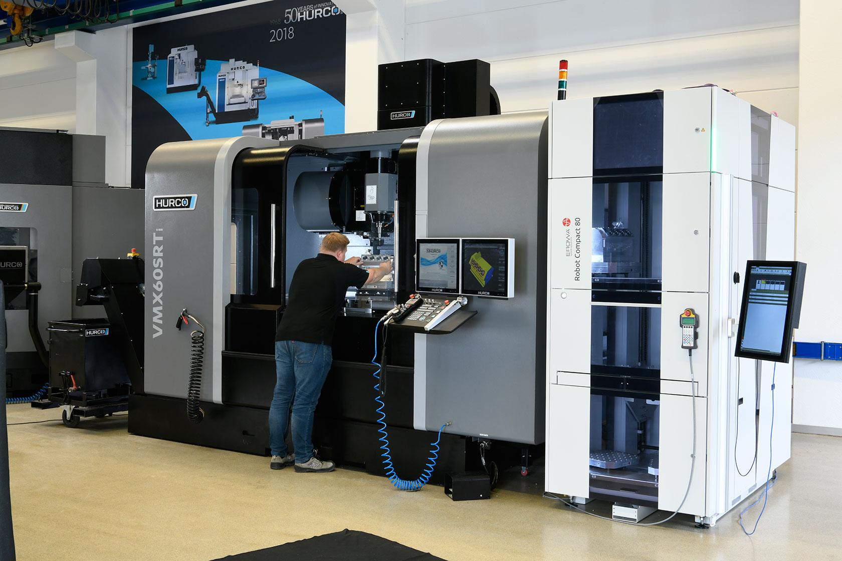 HURCO VMX 60 SRTi and Erowa Automation -